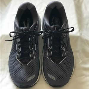 Brooks Ghost 12 Men's Size 10